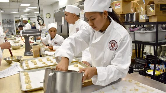 photo-culinary-program-degree-eastwick-college-cookies-confectionary