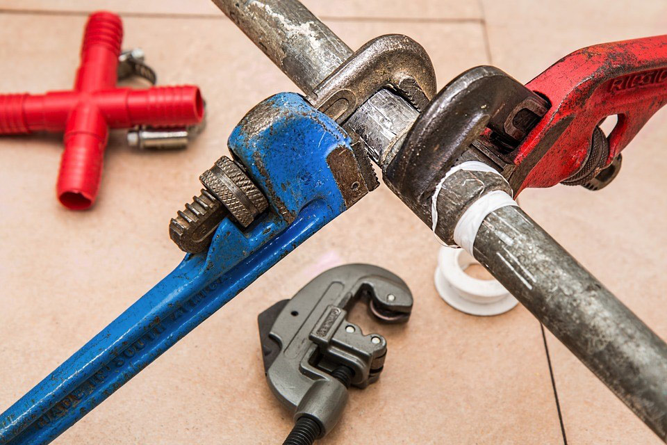 Plumber tools - how to become a plumber